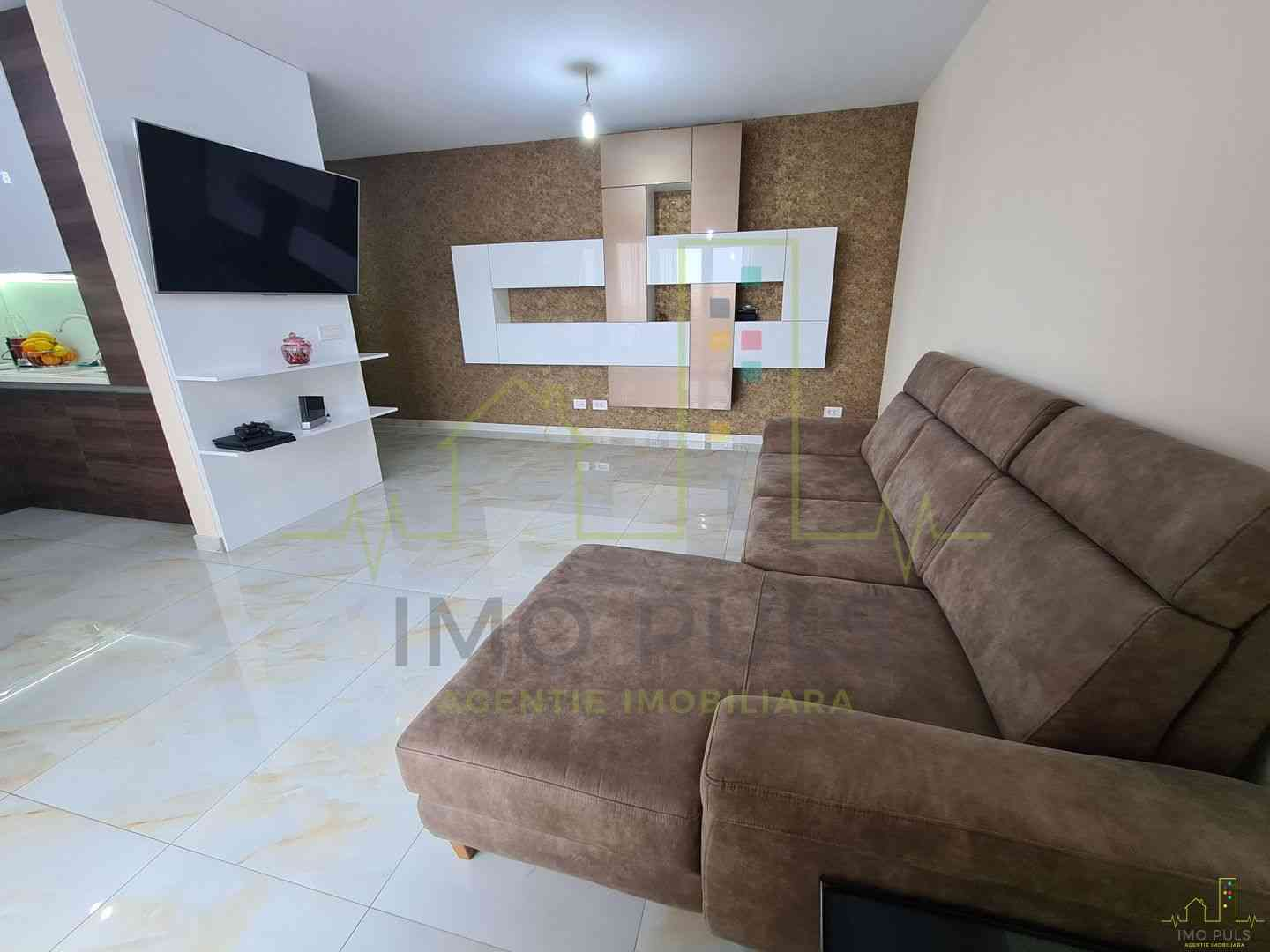 Apartament nou in oras. Mobilat-...
