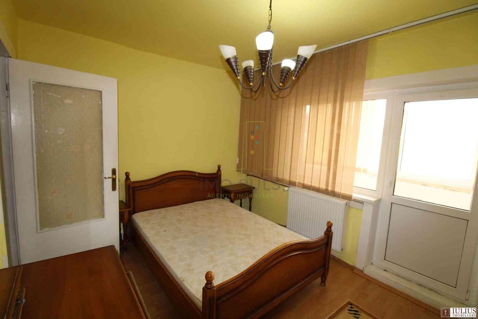 Apartament 3 camere, decomandat,...