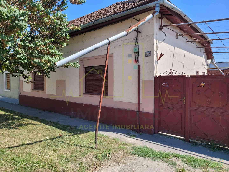 Casa individuala in zona Fratelia.